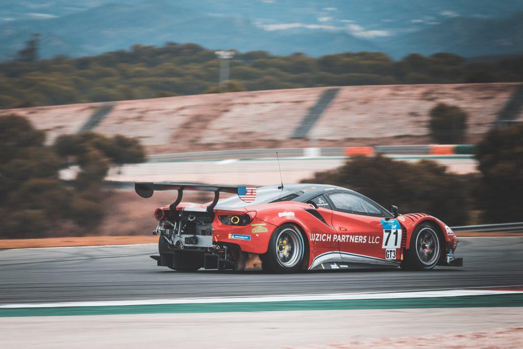 Mikkel Mac Professionel Racerkorer Racing With Ferrarimikkel